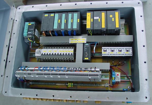 Binnenaanzicht van control box ExdIIB met PLC