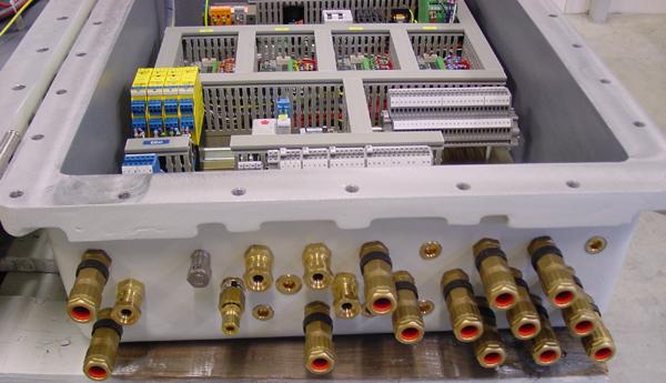 Control box ExdIIB - onderaanzicht